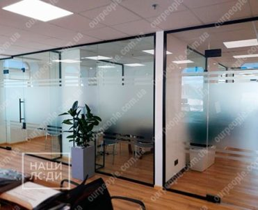 Тонировка офисных перегородок, тонировка стекол