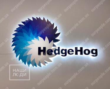 Изготовление логотипа с подсветкой на стену